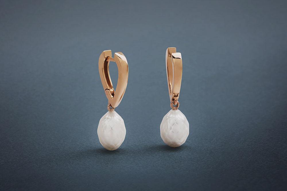 Náušnice z růžového zlata s broušenými perlami