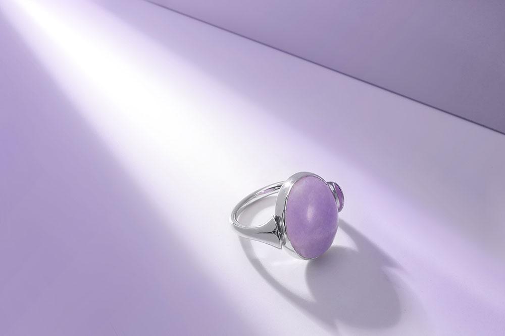 Esterstyl - prsten z bílého zlata s jadeitem