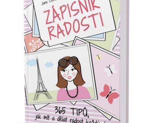 Zápisníkem radosti určitě potěšíte své blízké. Foto: www.comiudelaloradost.cz