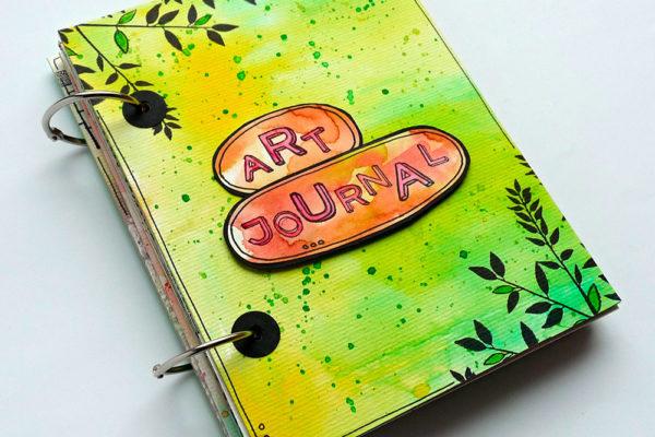 Trendy cestovatelský Art journal, to je spojení umění a tvoření vašeho vlastního časopisu. Foto: www.aladine.cz