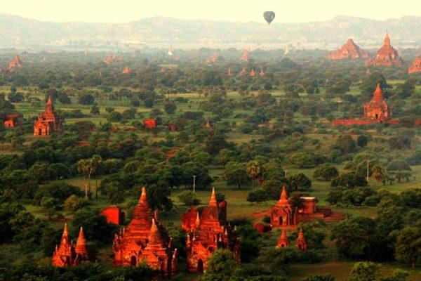 Nepopsatelně krásný Bagan v Barmě. Foto: www.cksen.cz