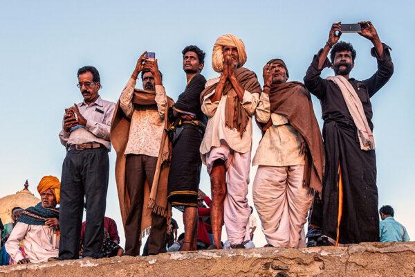 Hlavní cenu za nejlepší cestovatelskou fotografii získal snímek Petra Kleinera s názvem Mobilní Indie. Foto: Petr Kleiner
