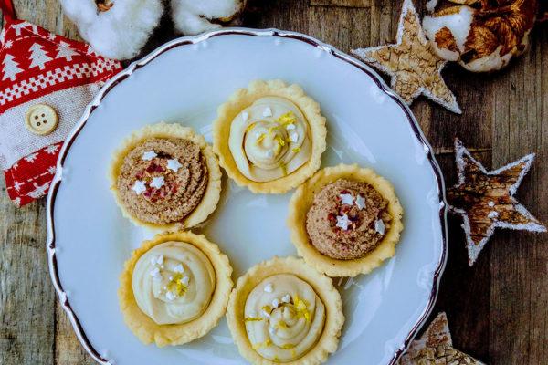 Košíčky se skořicovým krémem a krémem z bílé vegan čokolády. Foto: www.ceskeghicko.cz
