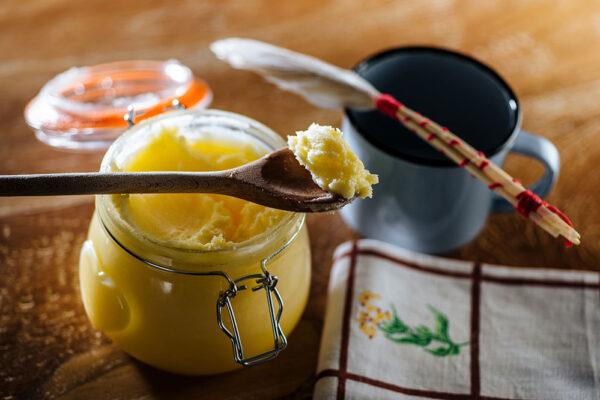 Přepuštěné máslo se dá získat i z kozího mléka. Foto: www.českoghicko.cz