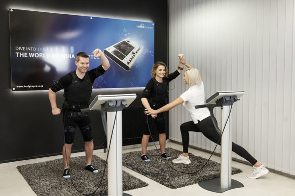 """Není to tak, že """"něco"""" cvičí za nás. I na tento trénink je nutno přijít dobře připravený. Foto: www.bodyexpress.cz"""