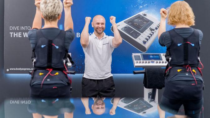 Cvičení pomocí elektrostimulace svalů EMS je v zahraničí léta velkým hitem. Foto: www.bodyexpress.cz