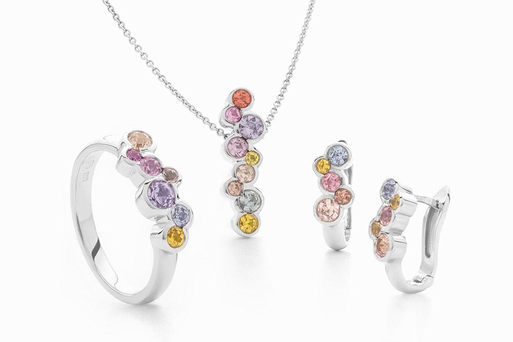 Luxusní souprava šperků z bílého zlata s barevnými safiry - Jarní kvítky