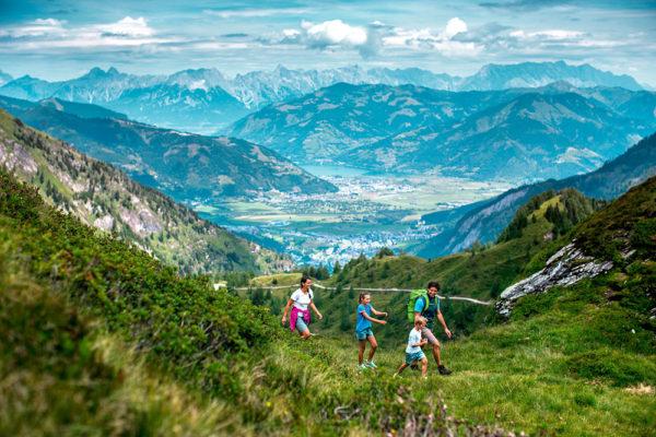 Za návštěvu určitě stojí  soutěska Sigmund-Thun Klamm.  Klammlichter: Foto: www.zellamsee-kaprun.com