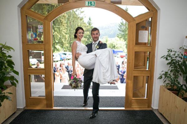 V Resortu Valachy v Beskydech, rok od roku stoupá zájem o svatby v krásné kulise beskydské přírody. Foto: www.lanterna.cz