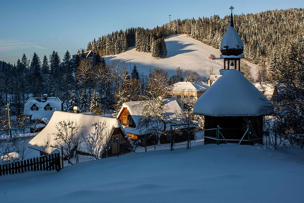 Velké Karlovice - údolí Leskové