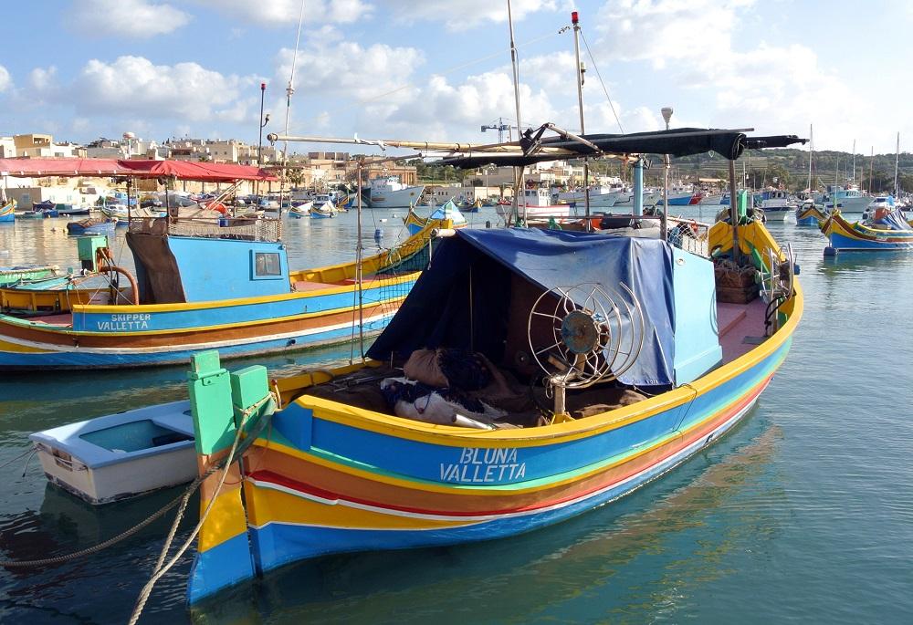 Malta - loďky v přístavu