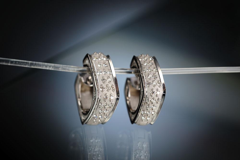 Esterstyl. Náušníce z bílého zlata s diamanty
