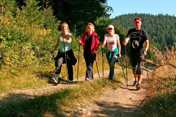 Pro nordic walking skýtají Velké Karlovice skvělé podmínky. Foto: www.lanterna.cz