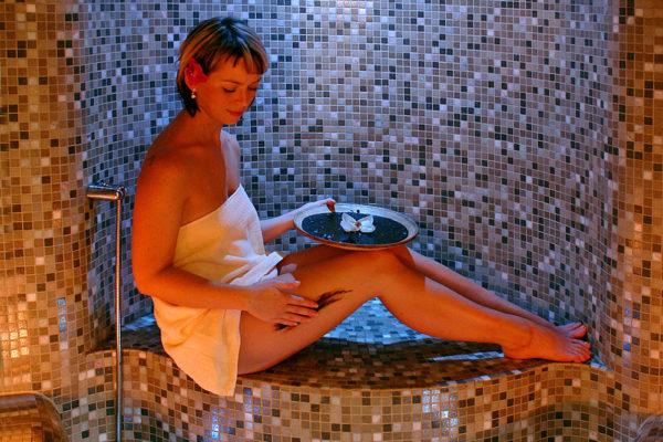 Tělové zábaly jsou vynikajícím doplňkem při péči o pokožku. Foto: www.lanterna.cz