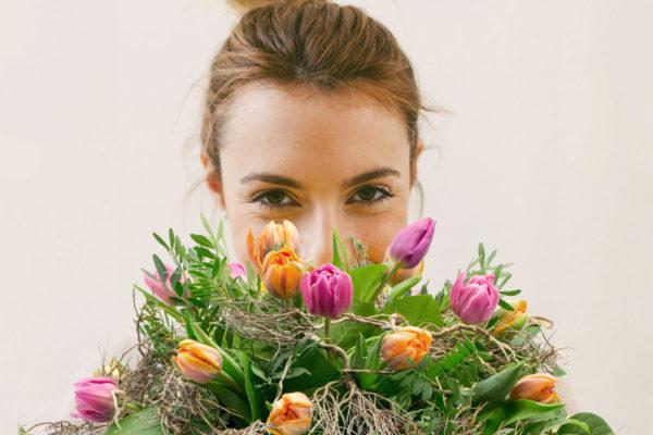 Mezinárodní den žen připadá na 8. března. Foto: www.fleurop.cz